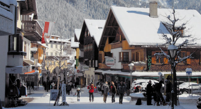 St Anton am Arlberg Village 660x360