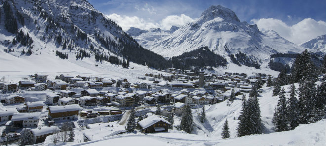 AT Lech Village in Winter © Sepp Mallaum, Lech Zürs Tourismus 660x295