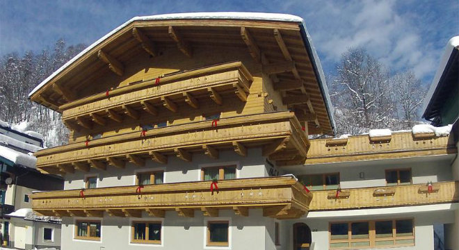 Pension Michael Saalbach exterior in winter